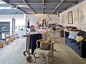 merci un concept store bienfaisant. Black Bedroom Furniture Sets. Home Design Ideas